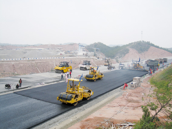 How do compacted asphalt mixture longitudinal seam