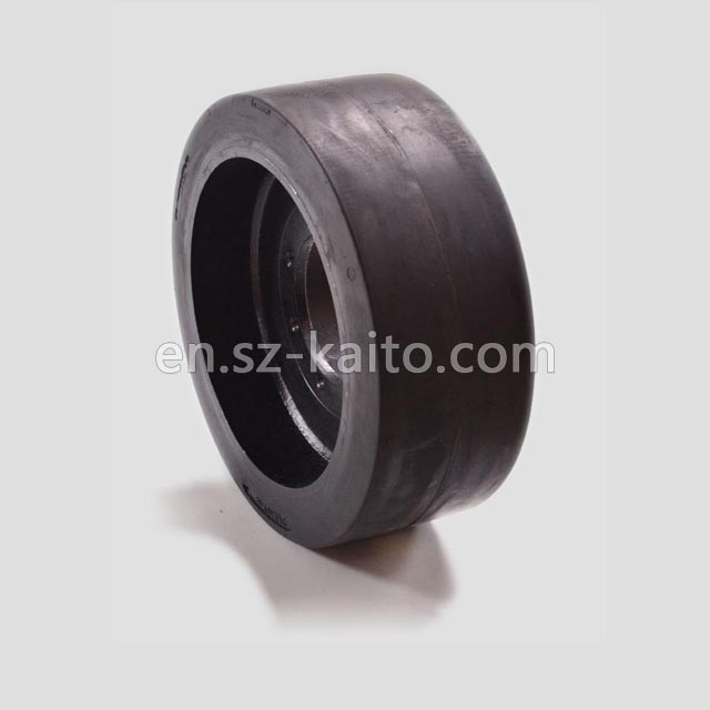 wheeled milling planer solid tires